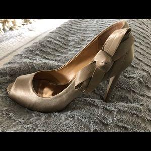 Badgley Mischka 4 inch heels size 6.5